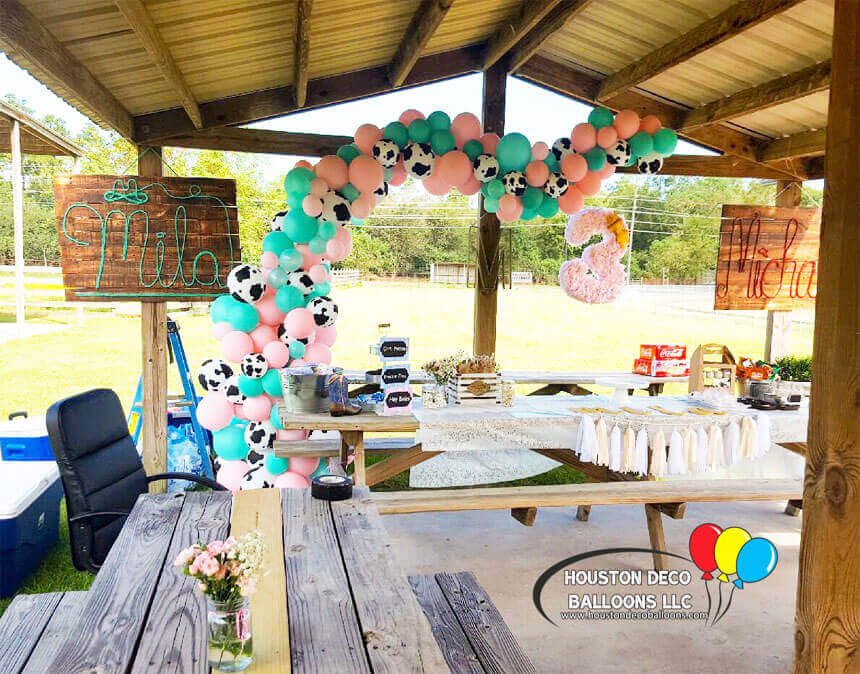 Halfarches houston balloon decorations