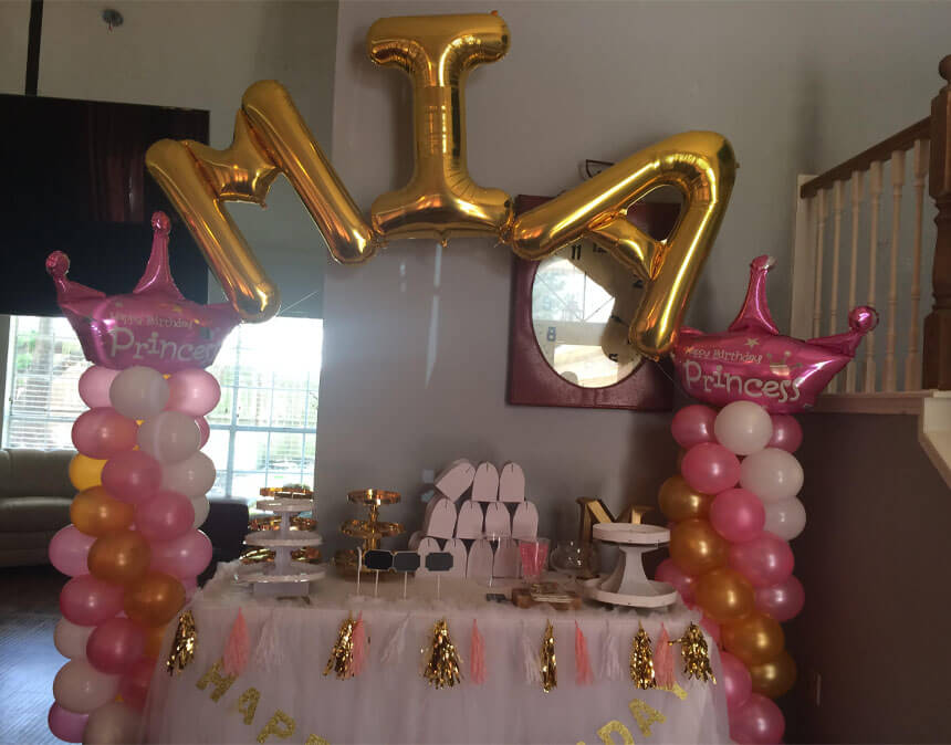 Casino Balloon Arch