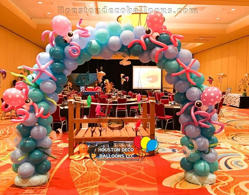 Octopus-Balloon-Arch